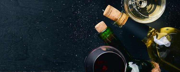 """<p class=""""text-justify"""">Zu einem guten Essen gehört einfach der passende Wein. In unseren Filialen erhalten Sie eine Auswahl verschiedener Weine für jeden Geschmack. Sehr zu empfehlen und neu im Sortiment: der Weißwein """"Prachtstück"""" vom Weingut Metzger.</p>"""